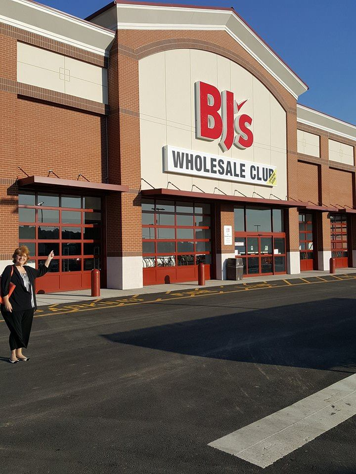 WESTBOROUGH, Mass. and SAN FRANCISCO, March 13, /PRNewswire/ -- BJ's Wholesale Club today announced an expanded partnership with Instacart to .