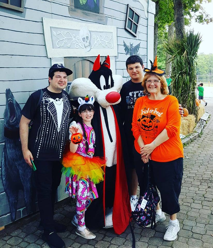 things about six flags is that you can choose your scare level thrills by day frights by night its scare free and great for little kids during the